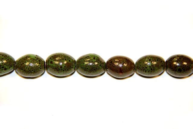 Ceramic (Shape: Olive smooth of 18x14 mm.) Varied colors
