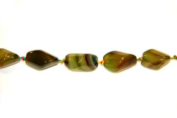 Agate green (Shape: Twister smooth of 30x15 mm.)